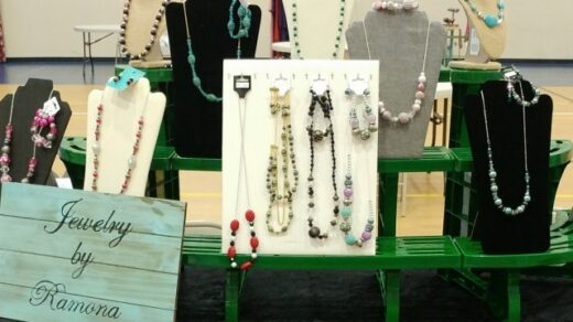 12/5 Jewelry by Ramona Set to Have Booth at Tree Lighting Benton, TN